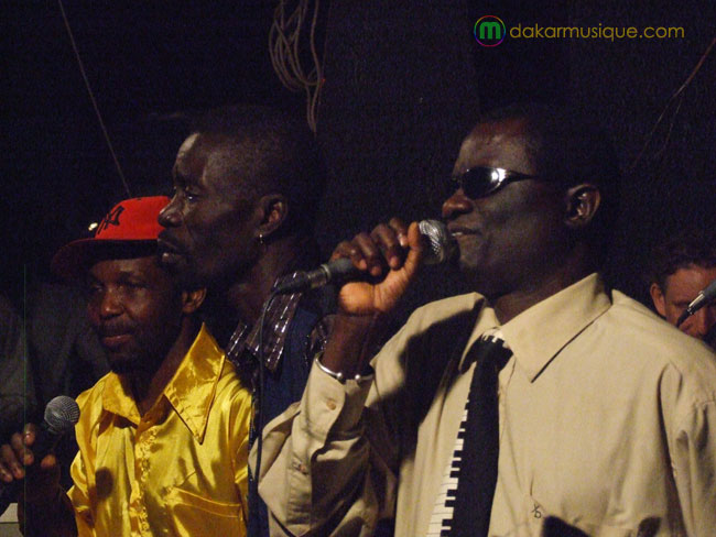 Pape Niang avec le groupe Xalam 2